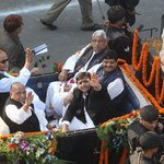 Lol.....The last ride--->Mulayam Singh rides a London imported buggy to celebrate birthday http://t.co/gTNK9tzpkD http://t.co/wjhSsU1CPW