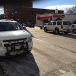 DEVELOPING: @EauClairePD say theres been a robbery at the Wells Fargo bank in downtown http://t.co/xuhli0Uglu