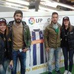 Los albiazules Manu Fernández y Toribio visitan el Museo de @LaLiga en el @_elboulevard #animopues http://t.co/p8D6aG19VB