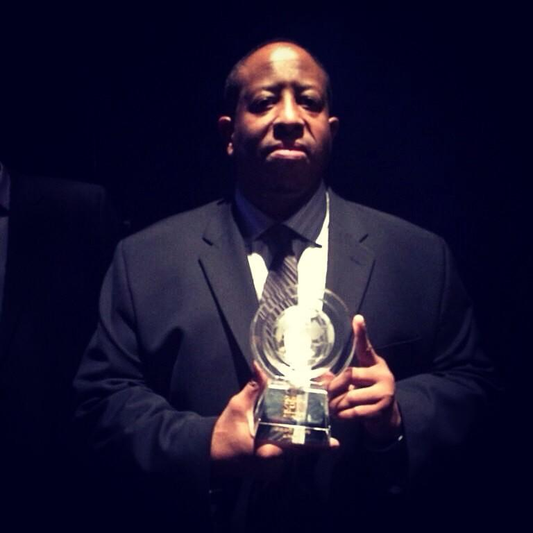 Proud to see my brother @REALDJPREMIER being honored with a legend award! #gangstarrfoundation http://t.co/crtaCdfXub