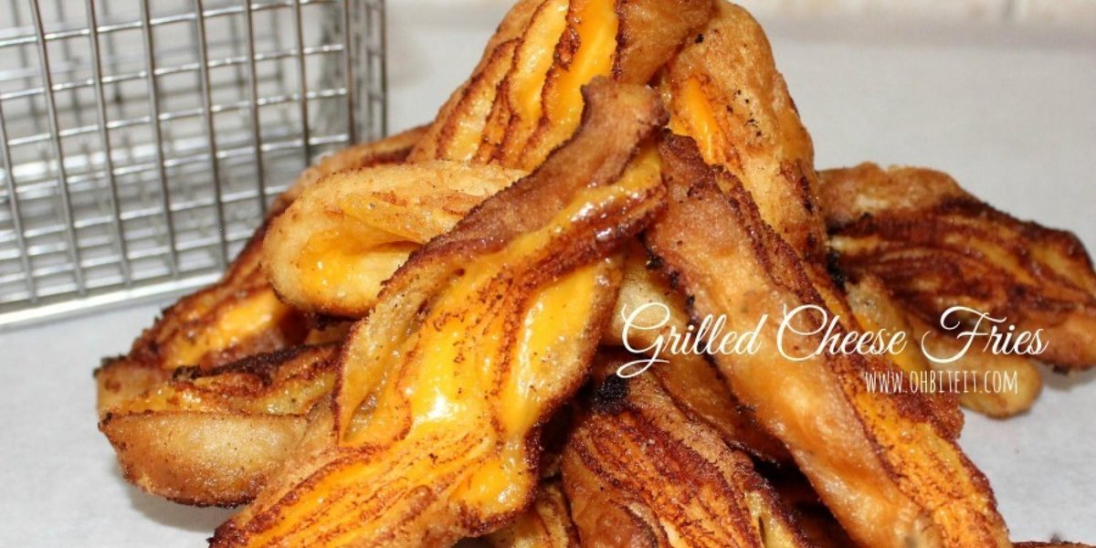 You guys. These are GRILLED CHEESE FRIES. Let that settle into your brains. http://t.co/L8JQfo1GqP http://t.co/Ovtv9078xw