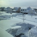 Buffalo, NY got 75 inches of snow 😳 http://t.co/bl60LYWGLP
