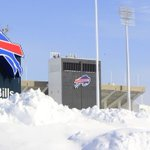 Buffalo Bills ask fans to help dig out stadium for $10/hour + free tickets – Would you do it? http://t.co/GGm8ykSASV http://t.co/aJ4HTi1koB