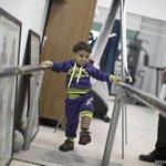 الطفل شريف النملة الذي اصيب في العملية الاسرائيلية على قطاع #غزة الصيف الماضي، يجرب ساقا اصطناعية في مركز تأهيل  #افب http://t.co/8MZdfXKpdv