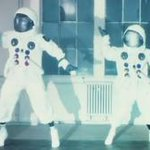 Sweet beats! RT @universetoday: Yuri Gagarin Memorialized in Funky Music @JPMajor  http://t.co/gzUvf7daXM http://t.co/oRHFno6Qai