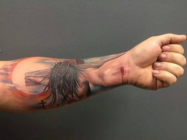 Mind-Blowing tattoo: http://t.co/k8qHMIB7MH