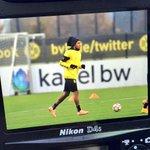 #BVB-Training läuft. #Aubameyang ist dabei. http://t.co/8bbatZvVQ0