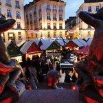 Les chalets du Marché de #Noël ouvrent aujourdhui place du Commerce et place Royale #Nantes http://t.co/WSge1oZv6o http://t.co/x7znvw0osB