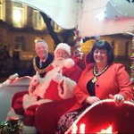 #boltonxmaslights The mayor and #santa have arrived!!!! http://t.co/Yh9GOE8g7i