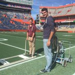 Some of our @UF Plant Science students took advantage of opportunity to assist with painting #FloridaField @UFCALS http://t.co/c6gWzwB70i