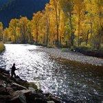 A river runs through it - Missoula, Montana #MissoulasBest http://t.co/xYvkvrJ4zg