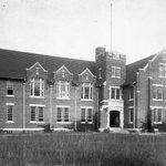 Happy Centennial, Bryan Hall! One hundred years never looked so good. #BusinessGators @UF http://t.co/77g6WjTueS