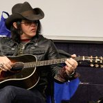 Americana songwriter Mike Farris spoke to MTSU students yesterday: http://t.co/PD4LSCfLCd http://t.co/0c3KHhcNd3