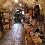 أسواق #الخليل #فلسطين http://t.co/5RY7eUihq1