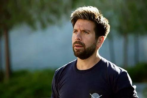 Who's watching some #Chuck in honor of @JoshuaEGomez's birthday? Be sure to watch one with the frosted tips ;) http://t.co/gYhuw8Ja95