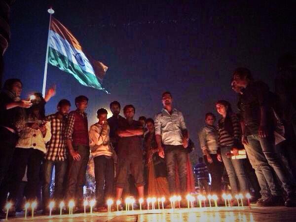 Madrid, Nottingham, Cologne, Barcelona, New Delhi, Buenos Aires, Hong Kong…  #AcciónGlobalPorAyotzinapa #YaMeCansé http://t.co/u3mMouoCG0