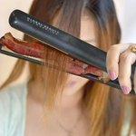 Ta explicado como essas mina ficam com o cabelo tao oleoso http://t.co/eshrtAUCKw