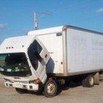 ultimamente eu to mais triste q esse caminhão http://t.co/LdYjNbyodN