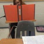 Quando o professor pensa que você está estudando, mas na verdade você está fazendo panquecas. http://t.co/OgBwwfHQHv
