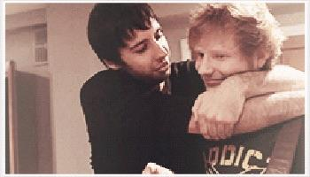 RT @edsheeran: @example #cuddle http://t.co/9WbvKDZZji