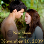FIVE years ago today #NewMoon was released in theaters. How many times have you seen it since? #5YearsOfNewMoon http://t.co/JWINeO0Wry