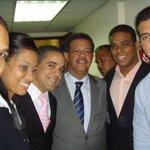 El es el líder que ha cautivado la Juventud Dom--> @LeonelFernandez @CholitinDuluc @Jessco29 @PorfirioGr30 @ROSASJ01 http://t.co/s2Y2tgbQ96