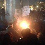 Capitalinos  se enfrentan a anarquistas exigiéndoles no vandalicen mas http://t.co/r0E3rsWVtD