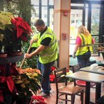35 workers helped us get into the Holiday spirit today! Thanks to all our volunteers! Cant wait to show you! #DTFW http://t.co/RIjiskgM43