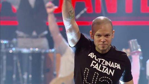 What an opening! ¿Qué te pareció la presentación de @Calle13oficial? #LatinGRAMMY http://t.co/huaPuzov9R