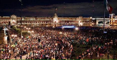"""""""HASTA LA MADRE"""". El Zócalo y el pueblo! #20NovMx #AccionGlobalConAyotzinapa http://t.co/QE4liyCVEQ"""