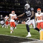 Latavius Murrays big 1st half leads Oakland over KC, 14-3. Raiders go into half with a lead for first time on year. http://t.co/y7fKGnHyKU