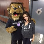 RT @BaileyLAKings: My girl @Alyssa_Milano is finally back @STAPLESCenter to cheer on our @lakings #missedyou
