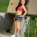 普通の体型をしたバービー人形「ラミリー(Lammily)」がネットで話題 http://t.co/QMPTV8NTsU http://t.co/u0t08lTV7V