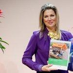 Koningin #Maxima ontvangt rapport Vrouwen op agrarische bedrijven van @Windesheim en LEI #trots http://t.co/kGRzxM0paQ