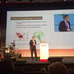 Patrik Brundin opent het plenaire gedeelte met boeiende presentatie #ParkinsonNet10jaar #parkinson http://t.co/nKKjWxs3jD