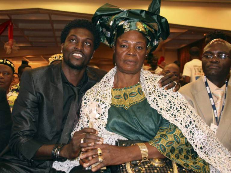 Spurs striker Adebayor says his mum is using WITCHCRAFT to ruin his career: http://t.co/FpeSjI5xQC #thfc http://t.co/OFmyHEym5m