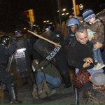 """""""Les decía (a granaderos) no me peguen por favor ya nos vamos, y sólo pegaban"""" #20novmx http://t.co/UHDGE8UDoI http://t.co/2OOFUEWK68"""