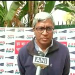 Reporter: Is this a blow to AAP? Ashutosh: What blow?had informed him,if he doesnt perform well, he wont get ticket http://t.co/E5ejc5ZHup