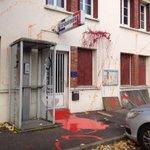 La gendarmerie de #Sautron attaquée ce matin par une cinquantaine de #zadistes #NDDL 5 arrestations http://t.co/bKYJIN3JRj