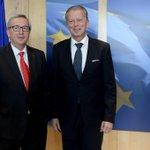 Trotz Anflugproblemen und Umweg über Lüttich, prägnanter Termin mit Jean- Claude Juncker @JunckerEU in Brüssel. RM http://t.co/fSFH5gJpVJ