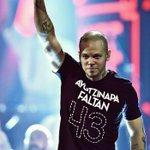 gracias a nuestro hermano René !! de @Calle13Oficial en #Solidaridad con #Ayotzinapa en los #LatinGRAMMY #Calle13 http://t.co/w22VwuEsQb