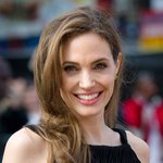Angelina Jolie confirms retirement from acting http://t.co/oIfVFJveHw http://t.co/0DHqMs5GgB