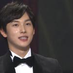 シワンくんもおめでとう\(^o^)/ RT @kor_celebrities: ZE:A シワン、「第51回大鐘賞映画祭」スター賞を受賞。映画「弁護人」に出演。 http://t.co/GQOWHKGdgb