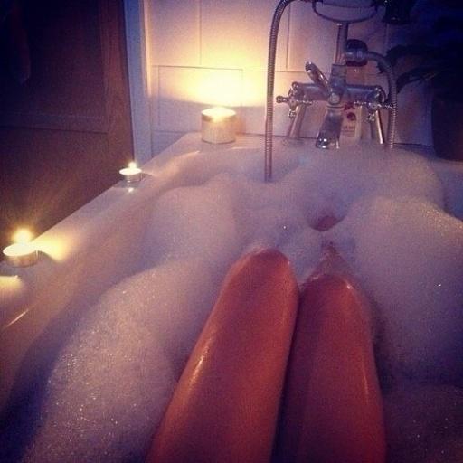 Audrey, audrey kitching, bath, bathtub, candle, color hair, cool, cute