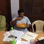 And what does the #MufflerMan eat ? Other than the corrupt - The humble, aam aadmi Maggi of course! http://t.co/YUKj443XWx
