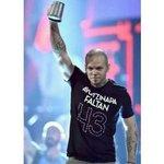 Calle 13 alza su voz por Ayotzinapa en los Grammy Latino... este artista si sabe lo q son las causas justa!!! http://t.co/GADkDO83lG