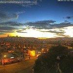 Hermosa imagen de #Querétaro en este momento amaneciendo. Imagen vía webcam gracias a @CiudadyPoderQ http://t.co/mCo04JDDuD
