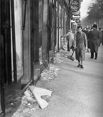WE REMEMBER: Tonight marks 76 yrs since 'Night of Broken Glass' in Nazi Germany. The memory must live on, Please RT. http://t.co/WjWB4pTIv1