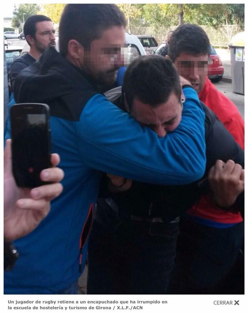 Això dels nazis que han anat a rebentar el 9N al col·legi de Girona on votava un equip de rugby és de traca... http://t.co/dBW501TX8J