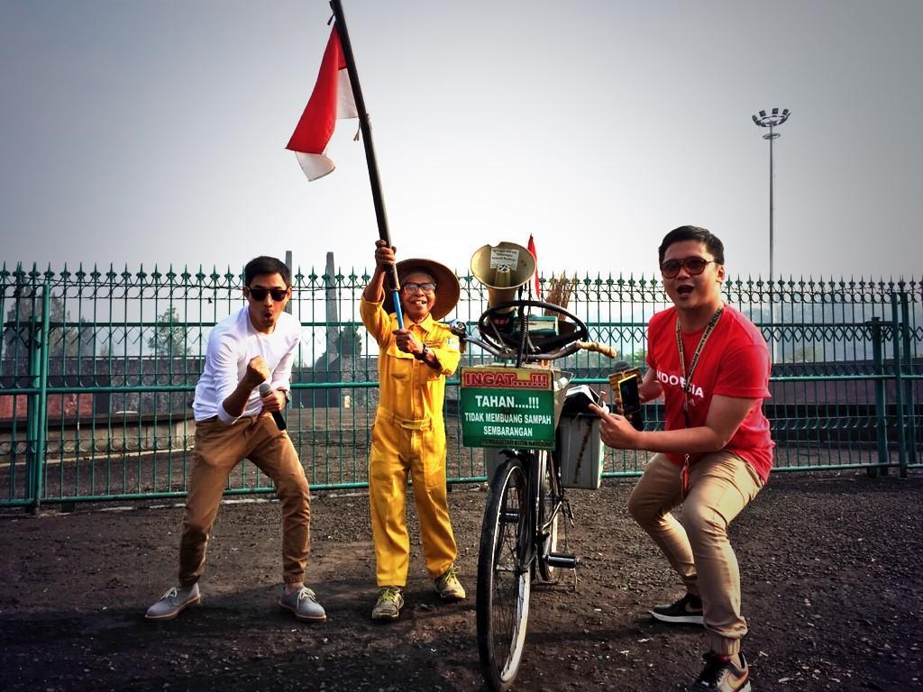 Persibnya udah juara, kebersihannya belom -Sariban (71) Pahlawan Kebersihan- http://t.co/wRxb7LFGnp